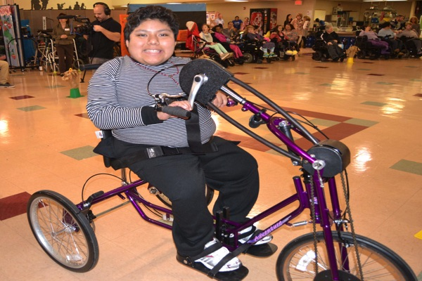 LADACIN Network Students Receive Customized Bicycles