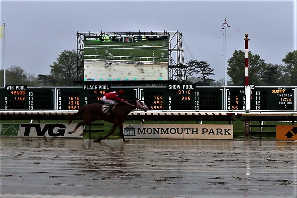 Monmouth Park Opens in the Rain