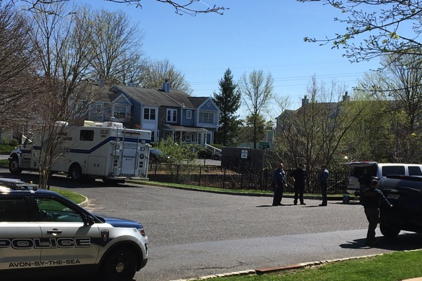 Police Arrest Man Who Barricaded Himself Inside Fox Chase Home