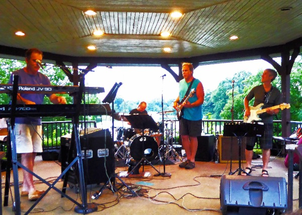 Summer Music Show Entertains at Franklin Lake