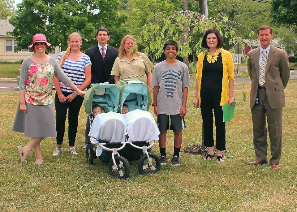 Frank Antonides School Gets Shade Tree Donation