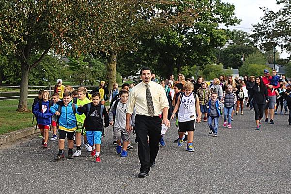 BME International Students Walk to School