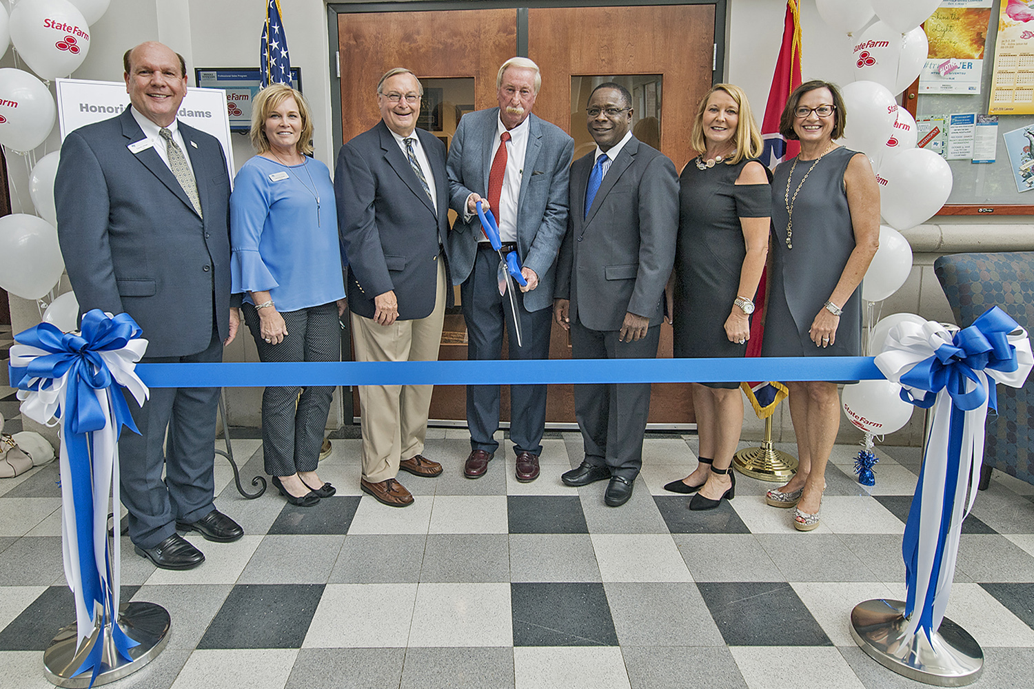 MTSU cuts ribbon on professional sales lab to train business majors
