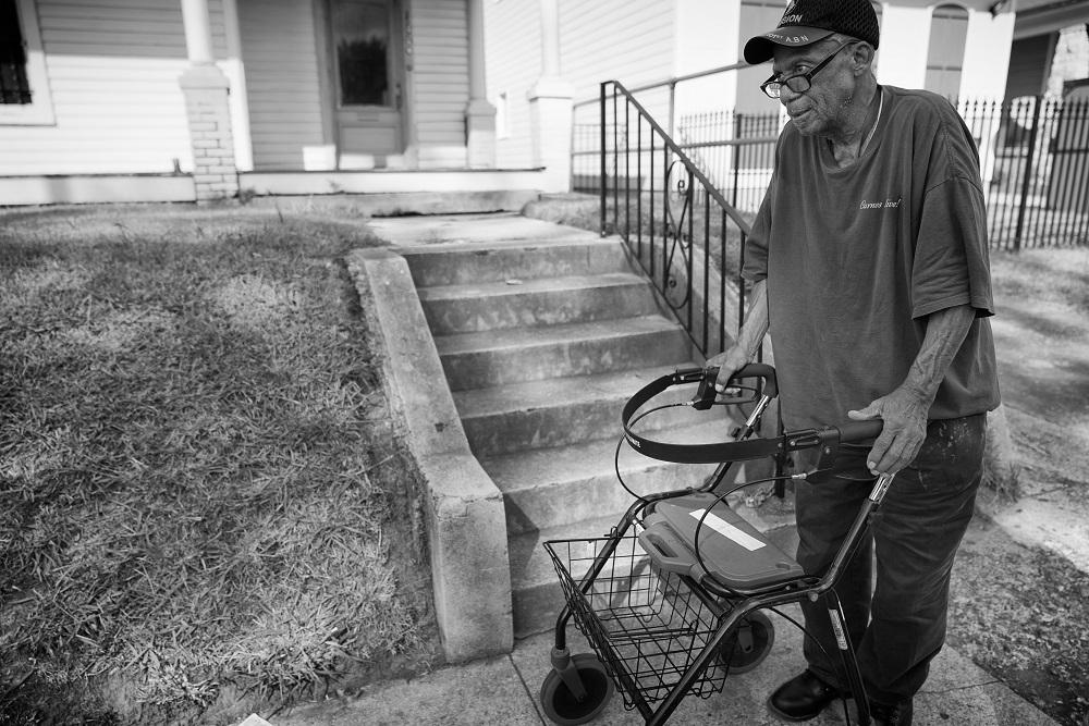 POSITIVE: Army Veteran in Memphis Remembers Elvis and More