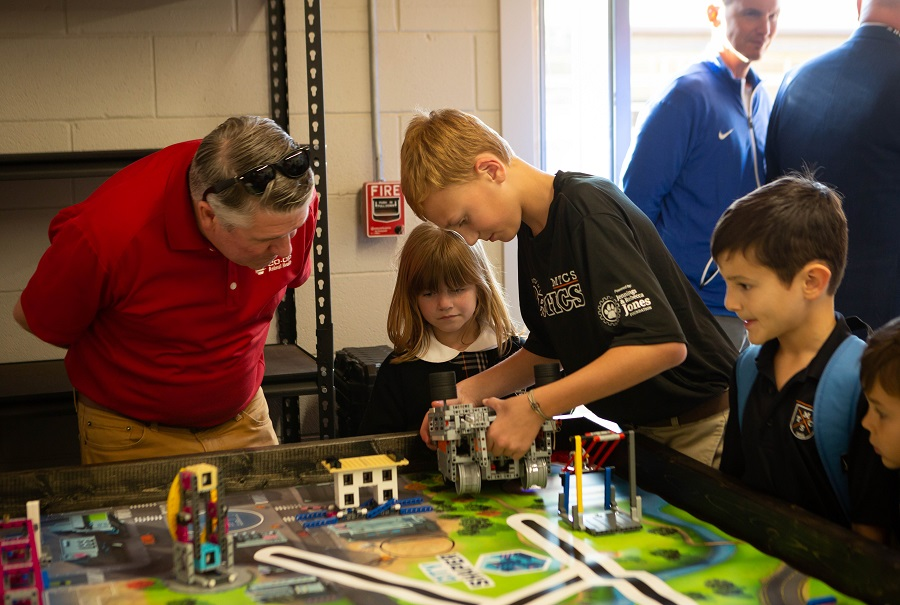 With the help of the Jennings and Rebecca Jones Foundation, Middle Tennessee Christian School recently opened its new Robotics Garage.
