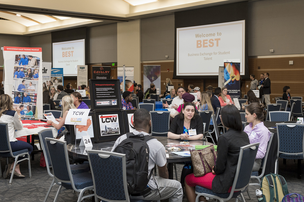 MTSU students exude all business at 2016 BEST Career Fair
