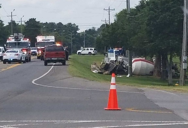 Cement Mixing truck wrecks and overturns in Murfreesboro