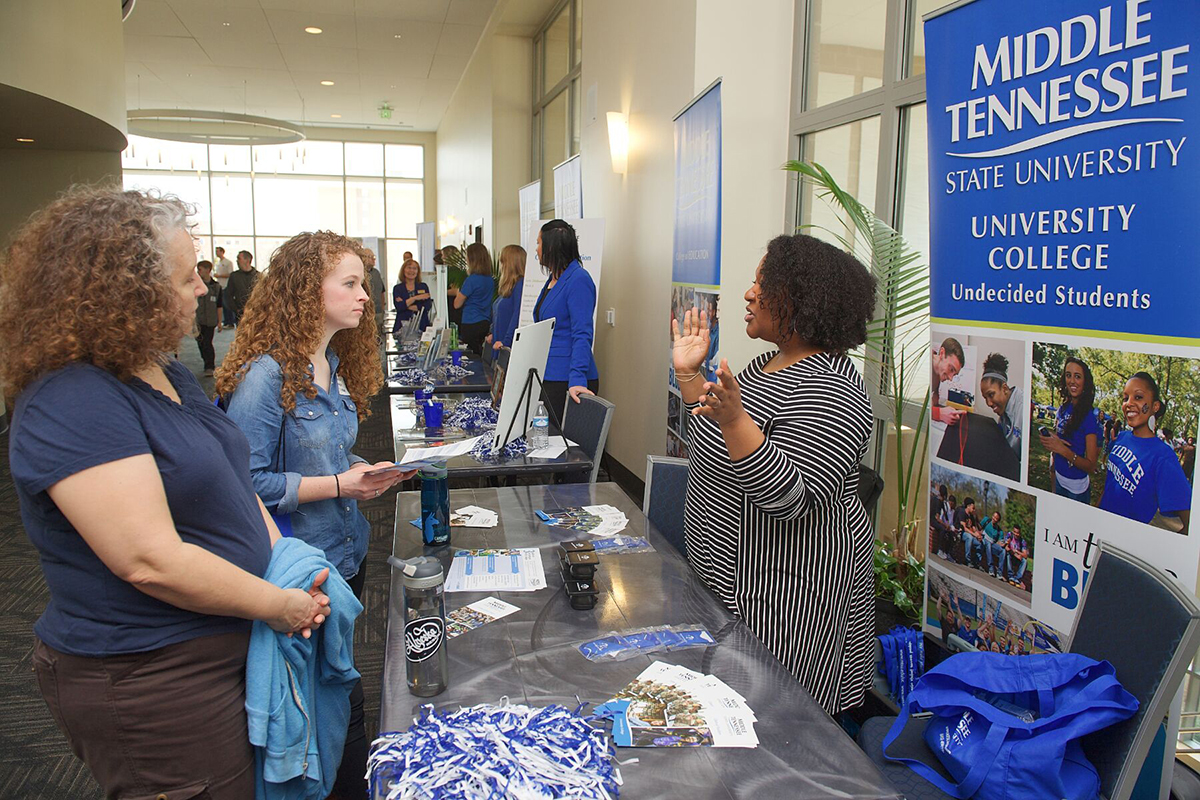 Smaller classes lure prospective  students to MTSU Honors College