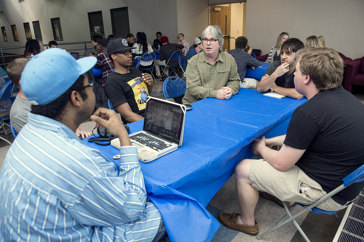 MTSU recording industry students get advice from professionals in 'executive workshop'