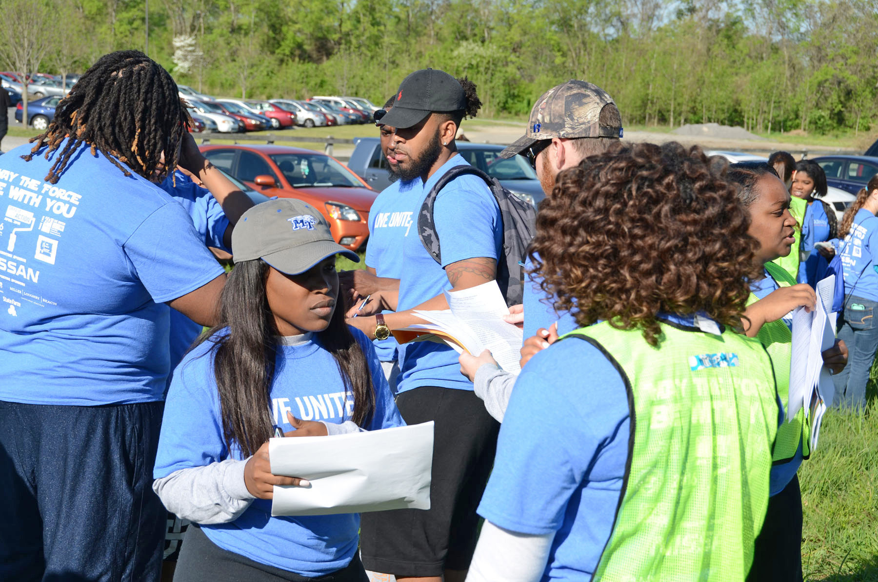 MTSU students turn out in a big way for 'BIG Event' at Old Fort Park