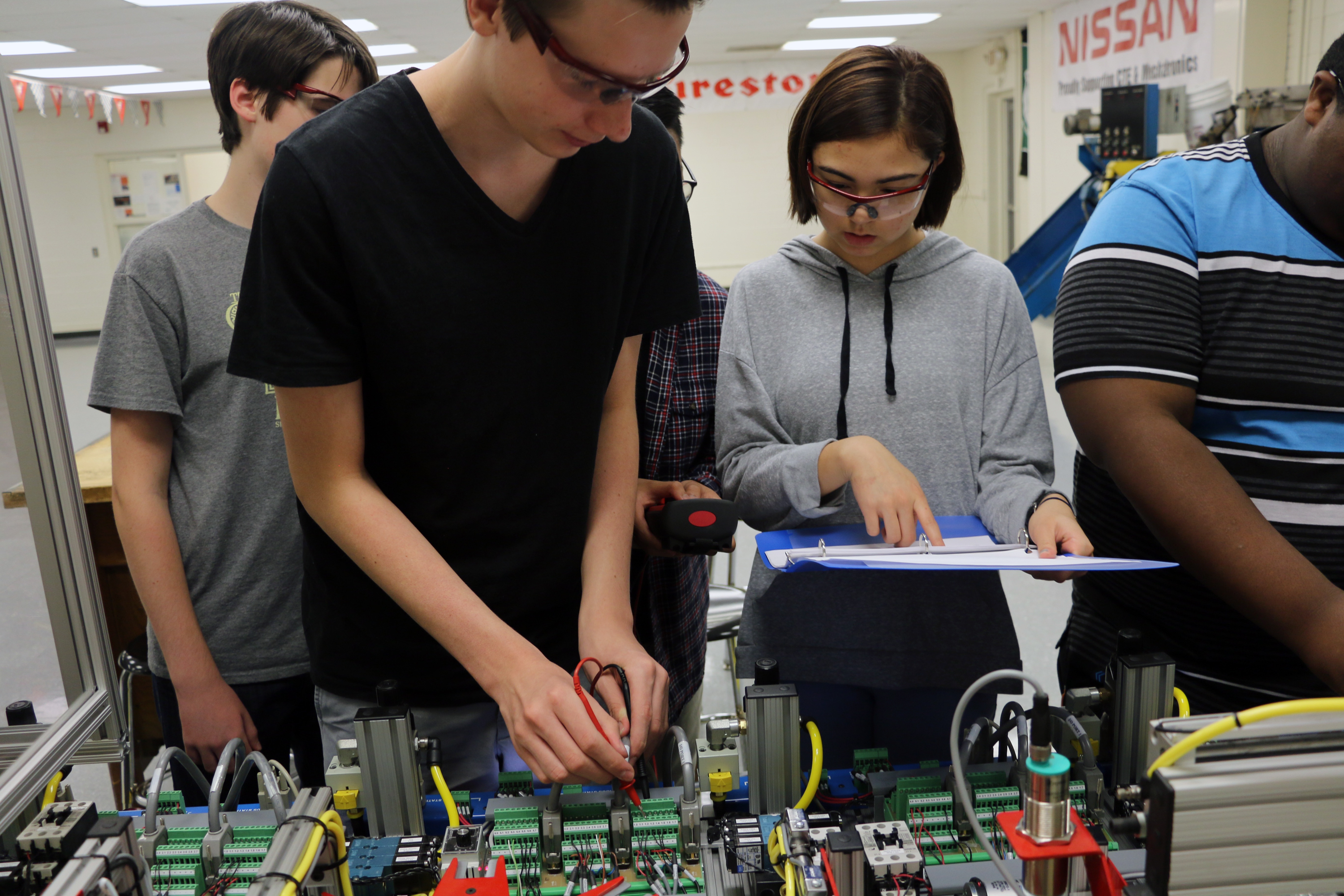 Oakland's diverse student body, International Baccalaureate program, Mechatronics and other educational initiatives represent 'microcosm of society'