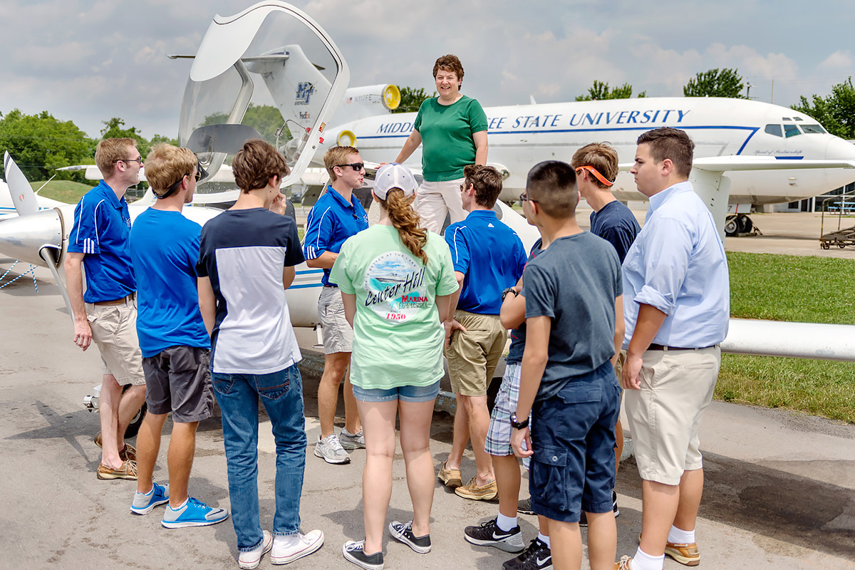 Teens in Murfreesboro learning to fly, thanks to MTSU
