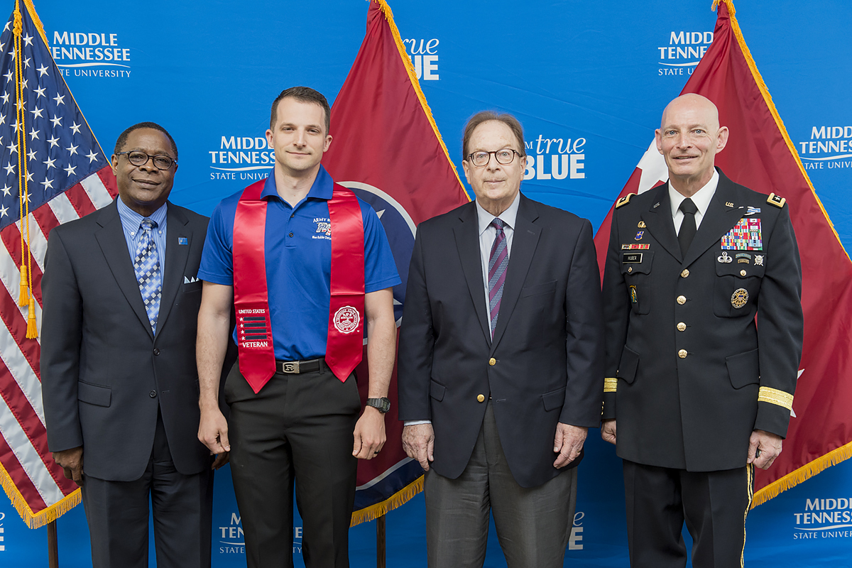Graduating MTSU student veterans recognized during Stole Ceremony