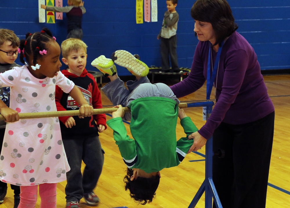 David Youree kindergarten classes get S.M.A.R.T. in PE