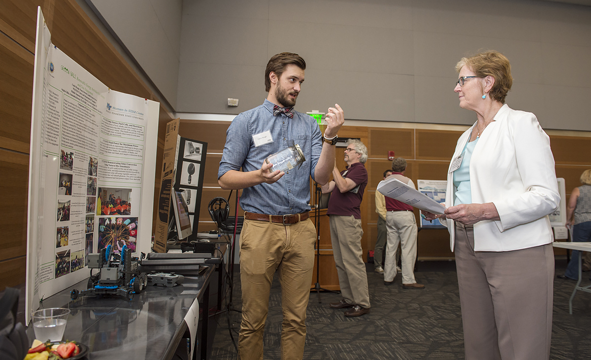 Summer celebration showcases MTSU student, faculty research