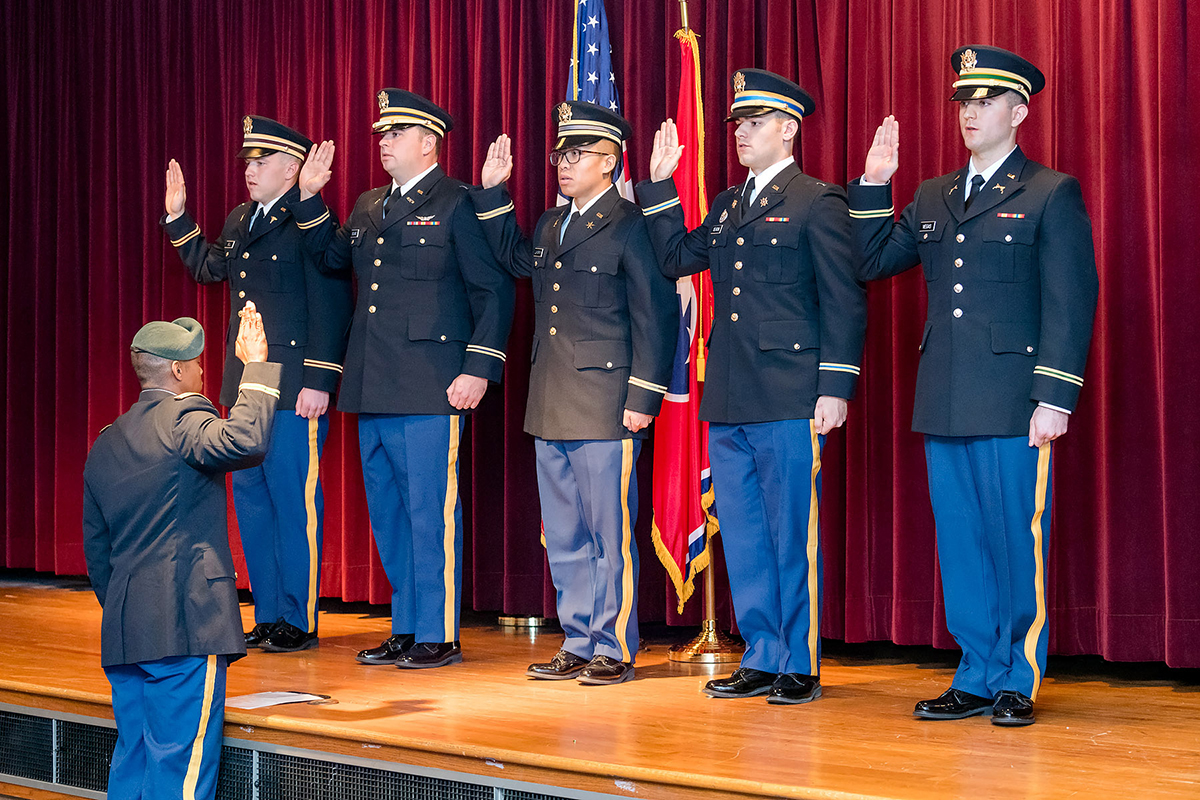 Five MTSU ROTC cadets commissioned as Army second lieutenants
