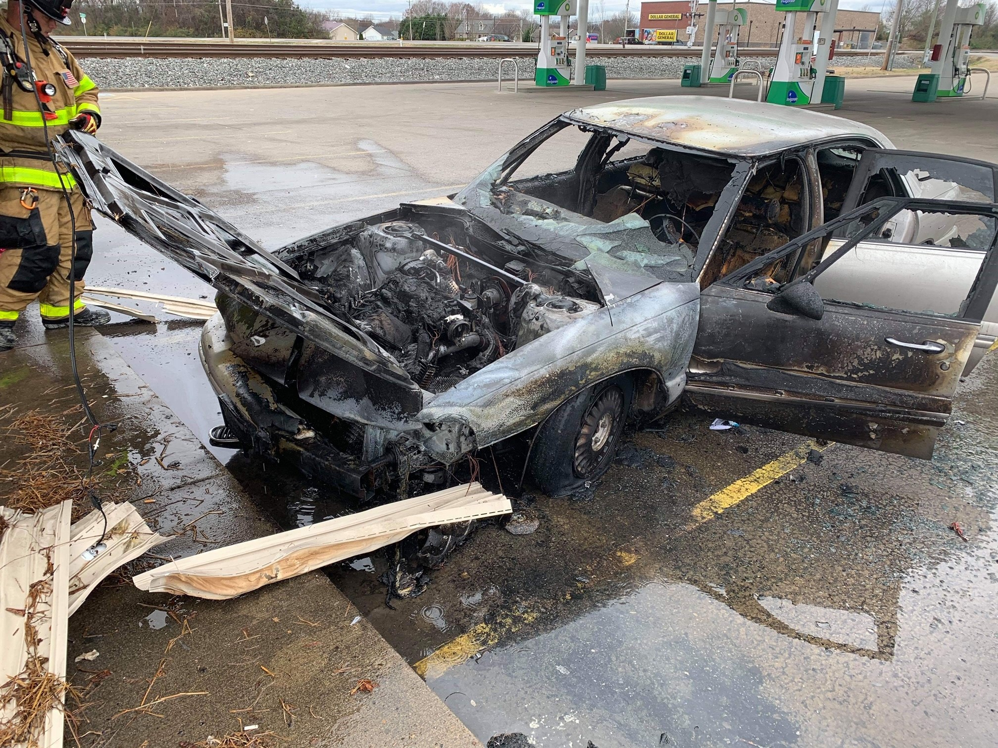 Crews Respond to Car Fire at Florence Market
