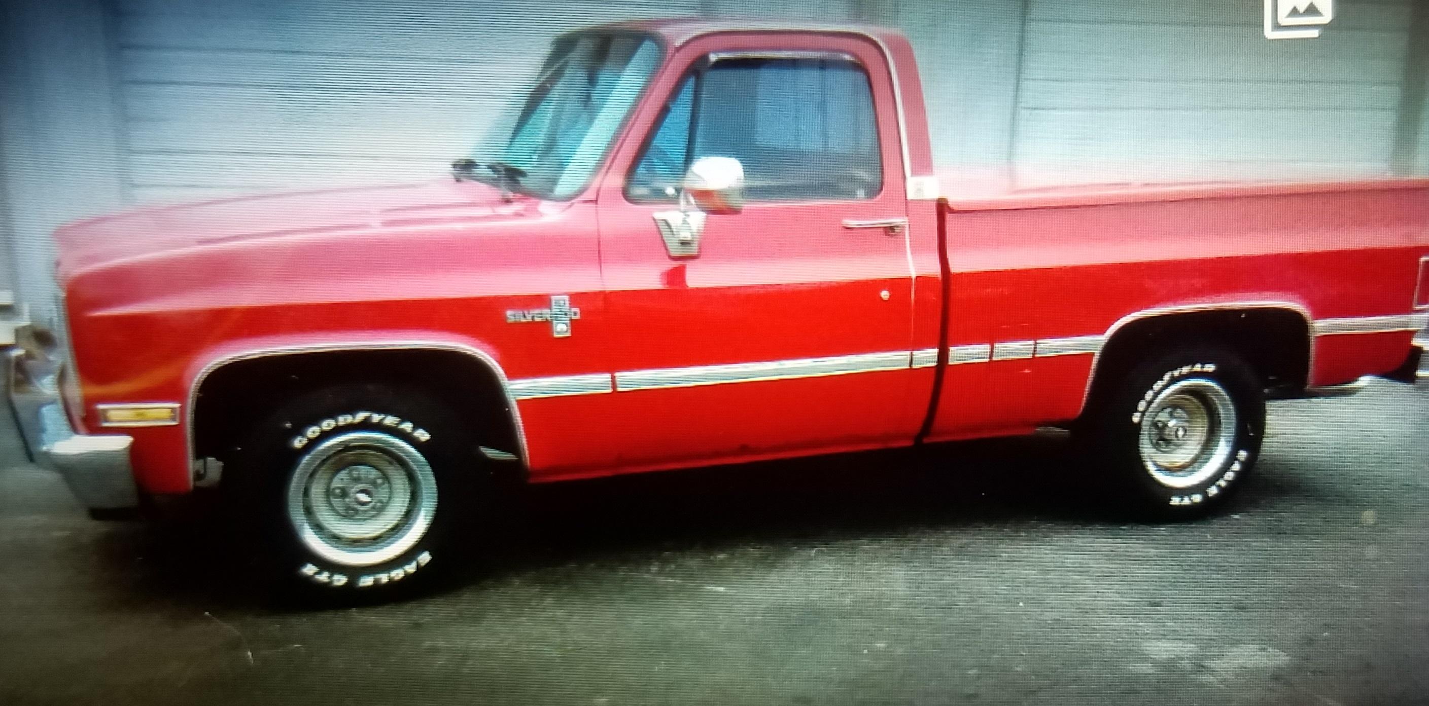 Vandals hit antique truck in Murfreesboro