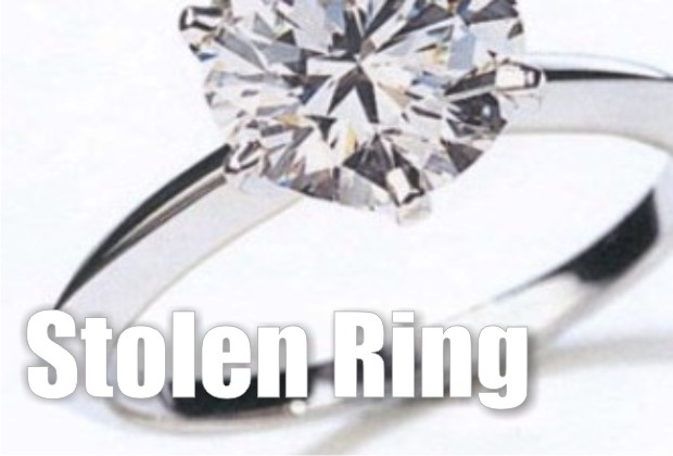 Man grabs a $2,300 ring and fled the jewelry store without paying for it