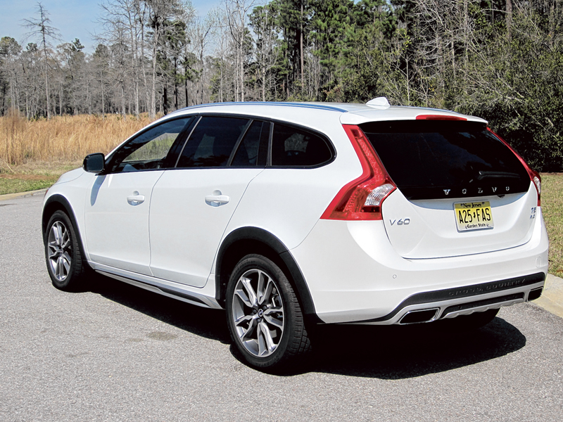 2015 Volvo V60 T5 AWD Cross Country fills specific niche