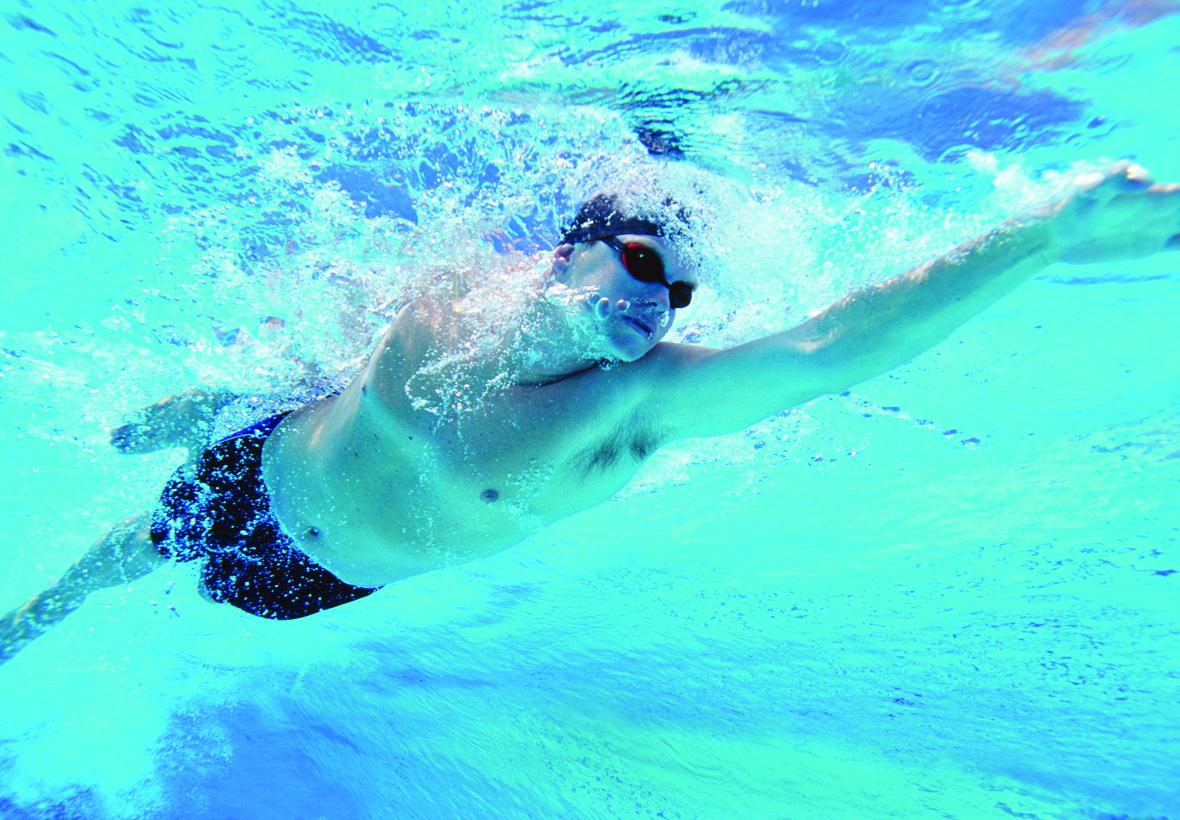 Swimming efficiently by reducing resistance