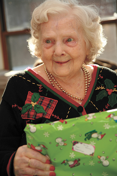 Holiday gift ideas for people with Alzheimer's