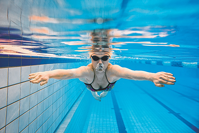 Physics principle of lift helps swimmers' forward motion