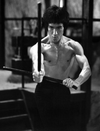 Bruce_lee_in_a_classic_pos_copy