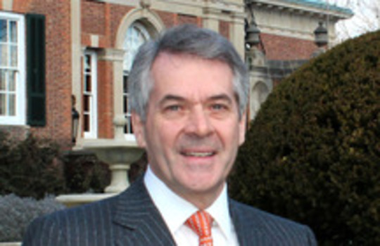 The Ambassador of the United Kingdom, H.E. Sir Peter Westmacott