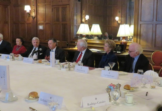 Ambassador Medina Mora addresses the Ambassadors Roundtable