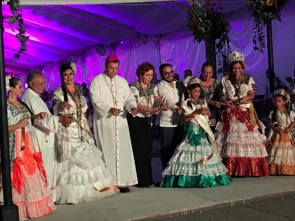 El Obispo de Campeche, cortó el listón inaugural de la Feria de San Francisco 2018.