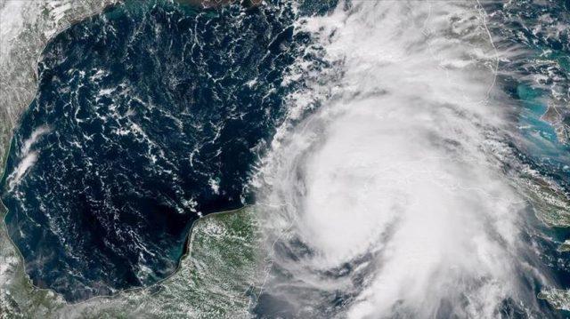 Se exhorta a la población a mantenerse tranquilos y con calma y estar atentos a los reportes de las autoridades, pues aún hay otros fenómenos en marcha en el Atlántico.