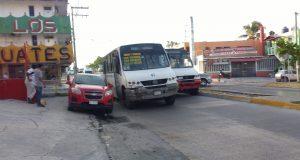 Camioneros se agarran a batazos