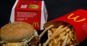 Video: Encuentran gusano en catsup de McDonald's