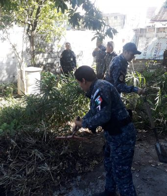 Gendarmería realiza labor social en la Isla