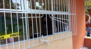 Delincuentes atentan contra escuelas de la Isla