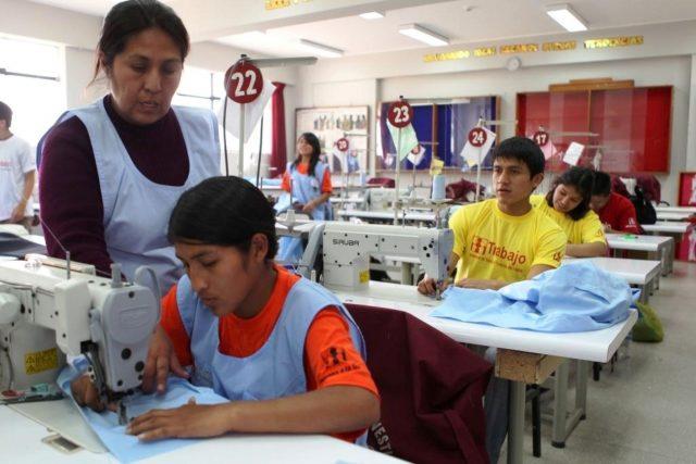 """Empresas a favor de """"Jóvenes Construyendo el Futuro"""""""