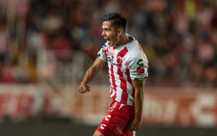 Chivas hizo oficial la contratación de Villalpando