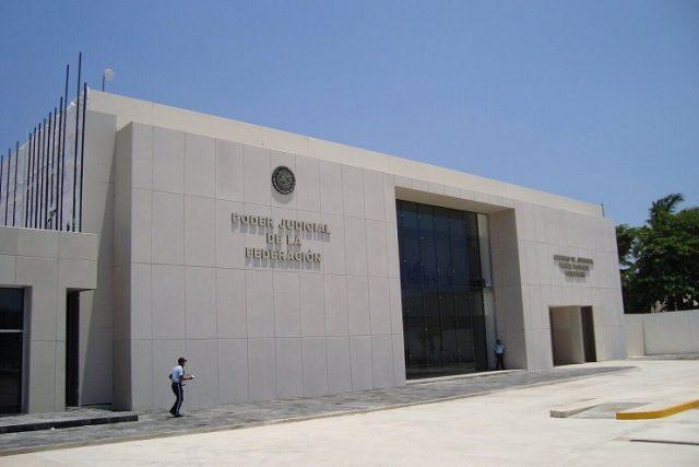 Magistrado acomoda a 14 de sus parientes en juzgados y tribunales