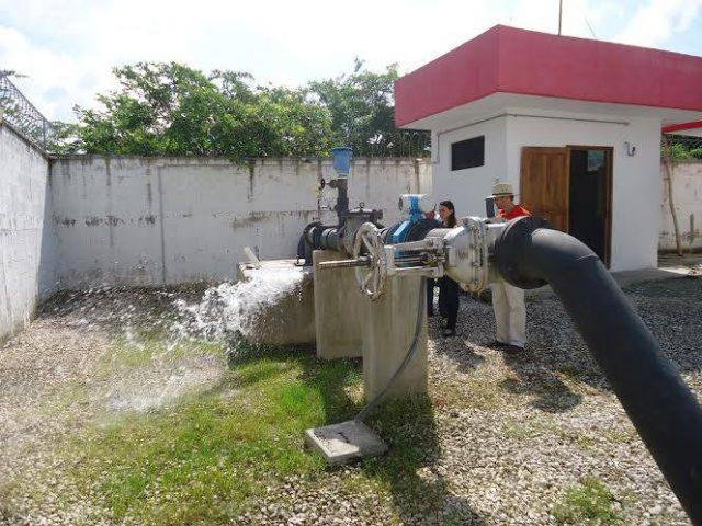 Continúan tiraderos de agua