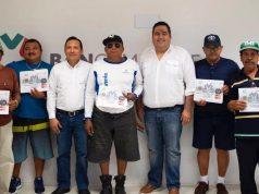 Entregan apoyo financiero a sector pesquero