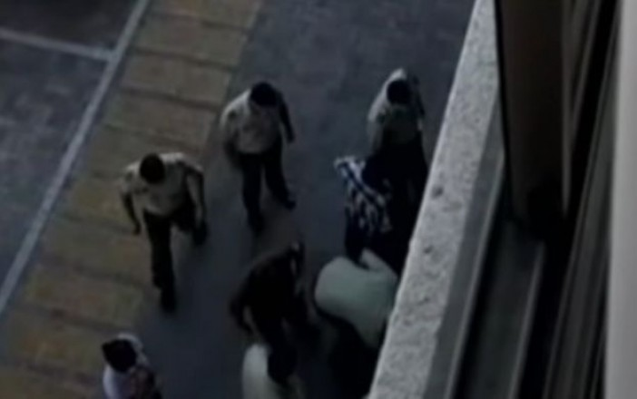 Muere niño que cayó por accidente desde un piso 10 en Santiago