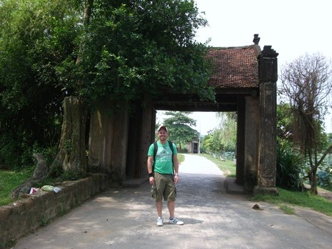 Me_at_the_village_gates