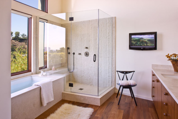 Airy Open Bathroom with Seperate Shower and Bathtub