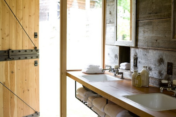Hanging Wire Towel Shelves