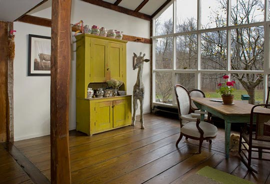 Yellow Hutch