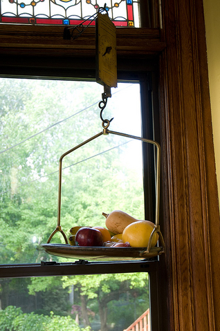 Hanging Scale Fruitbowl