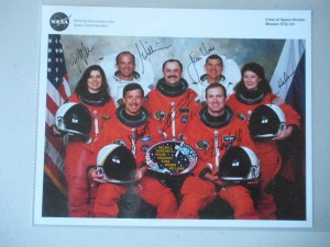 STS-101 Crew Complete signed Photo