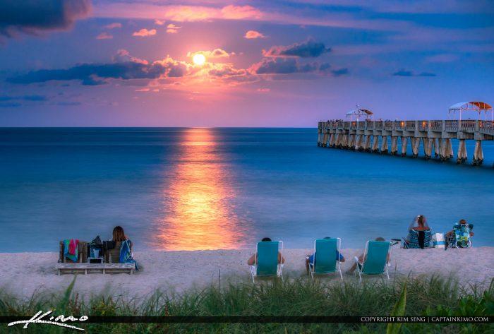 Full moon rise lake worth pier drum circle event for Lake worth pier fishing