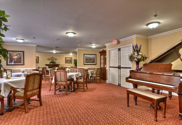 Vintage Senior Living at Las Palmas - Laguna Woods, Orange County - Photo 2 of 8